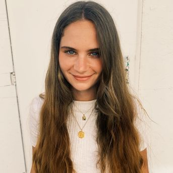 Alesya Capelle